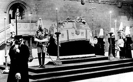 King George V lying-in-State - Westminster Hall.