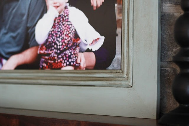 how to make and distress a LARGE picture frame.
