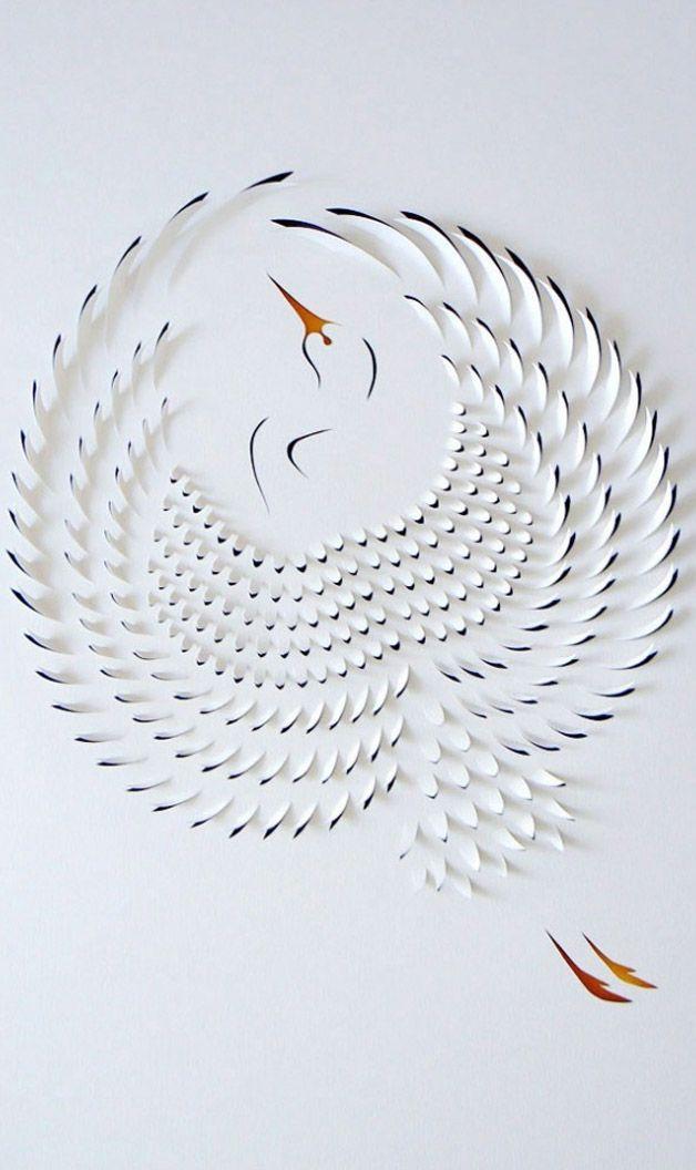 A artista australianaLisa Roddencorta e dobra pedaços de papel em cima de pinturas em tinta acrílica para criar essas incríveis esculturas.      ...