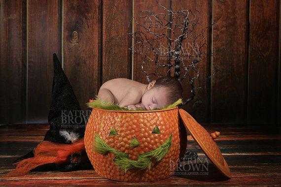 Halloween Themed Set for Infant Newborn by HootieHooDesigns