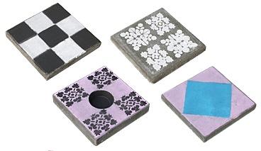betontegels schilderen of bestempelen met betonverf voor sierrand terras.