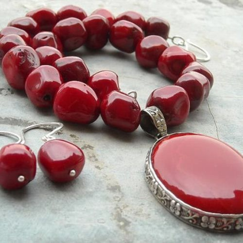 Red coral necklace earring set