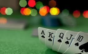With the inception of online casinos, people need not have to drive faraway to play their favorite casino games. With the change in time and latest innovations has resulted in the popularity of game domino qiu qiu online. Considering the current scenario, online casinos has become the most entertaining and enticing under the single roof.