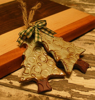 Handmade Stoneware Holiday Ornament, starting at $4 in today's #Handmade Bazaar @ 6PM PT.