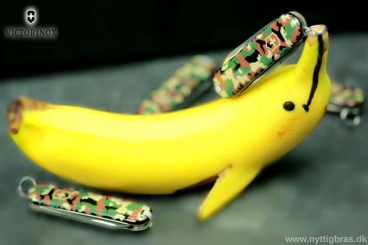 "Title: ""Banana Dolphin & SAK's"" Models: Victorinox Classic SD Camouflage, Banana (Dolphin)  Photographer: www.nyttigbras.dk  #bananas #jylland #danmark #dolphin #november #victorinox #inspiration #fitfam #design #model #life #portrait #victorinoxswissarmy #swissarmy #gadgets #travel #nofilter #art #travelling #løb #jagt # #like4like #copenhagen #sonderborg #phaseone #abstract #hunting #post #træning"