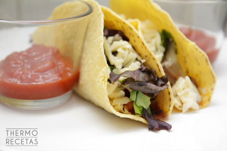 Deliciosos y sabrosos tacos mexicanos, rellenados estilo tex-mex. Una auténtica delicia para compartir con amigos.