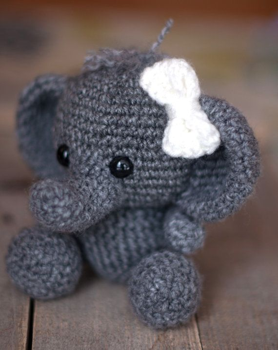 PATTERN: Ellis the Elephant – crochet elephant pattern – amigurumi elephant pattern – English, German, Portuguese – PDF crochet pattern