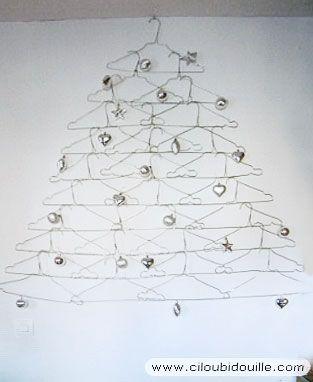 Sapin de Noël en cintres métalliques, Déco Noël à fabriquer
