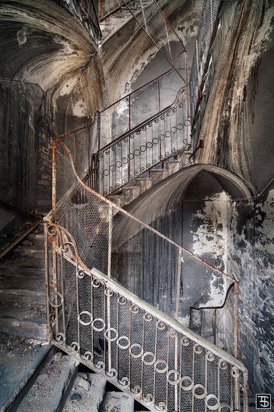 Rise and fall | Sven Fennema – Fine Art Photography | Architektur-Fotografie |…