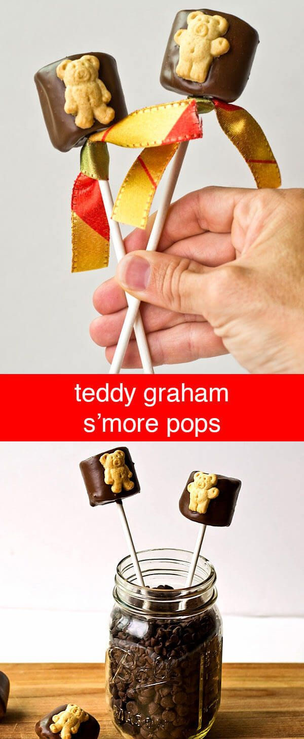 These Teddy Graham S'more pops will be a hit with your little kids! No campfire needed- these no-bake treats are quick and easy. Teddy Graham S'more Pops {Easy, fun edible craft for kids} via @tastesoflizzyt