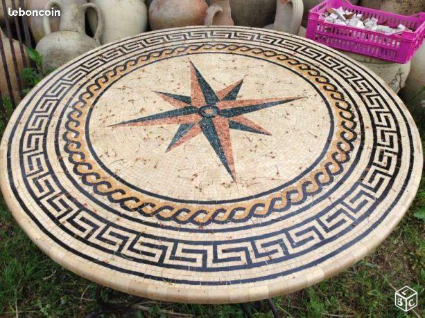 Plateau de table en mosaïque de pierre ref 22