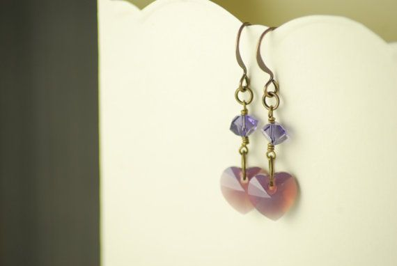 Orchid romance - Purple Swarovski heart earrings with antiqued gold plated findings - Hyacinth - Cyklamen opal - Romantic