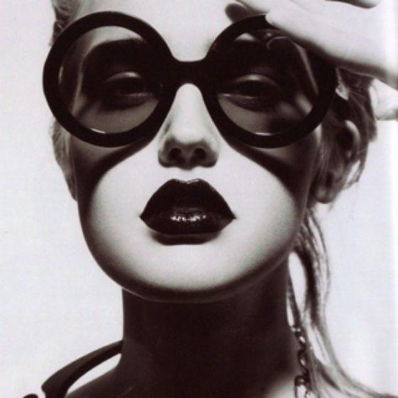 Dark Lips + Dark Glasses /Labios oscuros + Lentes Oscuros #Style #Estilo