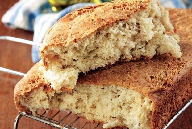 Ψωµί στη γάστρα από την Αργυρώ Μπαρμπαρίγου | Δεν θα το πιστεύετε! Ένα ψωμί με μαγιά που ασχολείστε 10΄ μαζί του, το βάζετε στη γάστρα και αυτό ήταν όλο.
