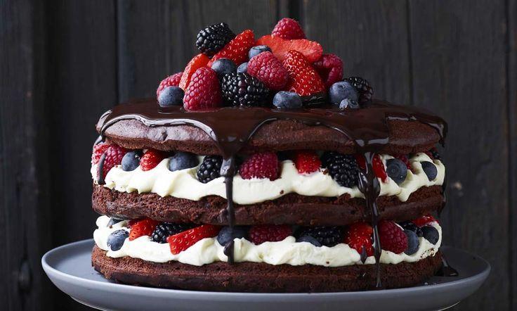 Chocoladetaart met roodfruit recept | Dr. Oetker