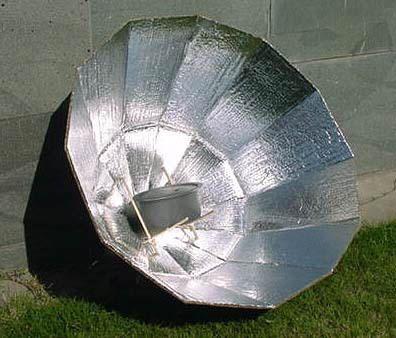 Cuiseur solaire en carton