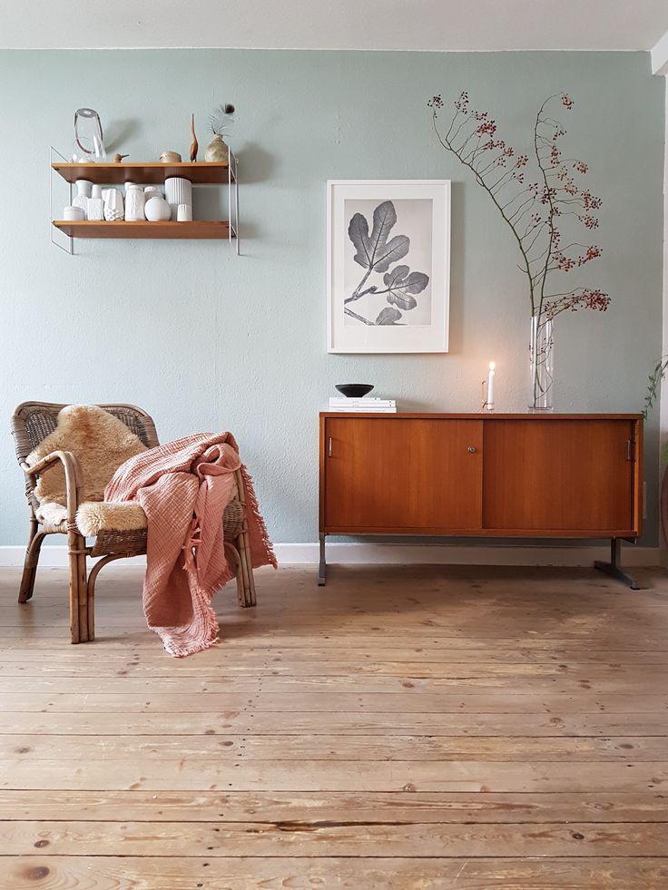 Midcentury Wohnzimmer mit tollen Farben