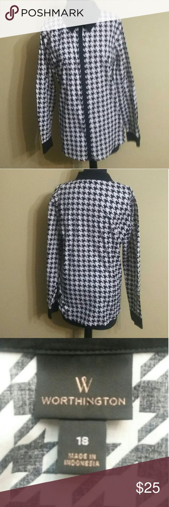 Worthington houndstooth shirt Black and white Worthington large houndstooth shirt. It is a really nice shirt in almost new condition and it feels expensive. Worthington Tops Button Down Shirts
