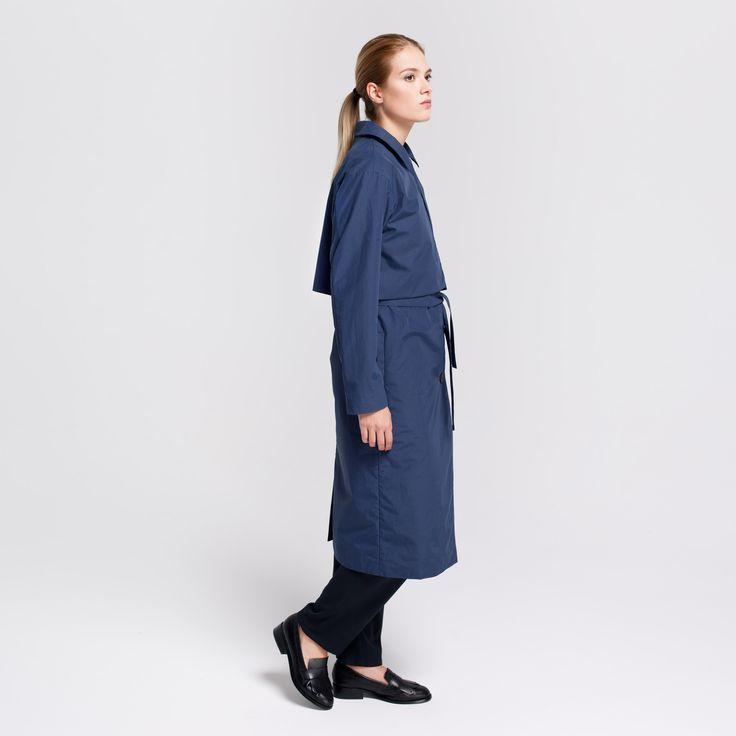 Miner Trench Coat Navy #miner #trench #coat #cupro #navy #rainproof #elementy #polishfashion #classic #minimal #simplicity #plaszcz #trencz #granat #przeciwdeszczowy #polskamoda #minimalizm #aw16