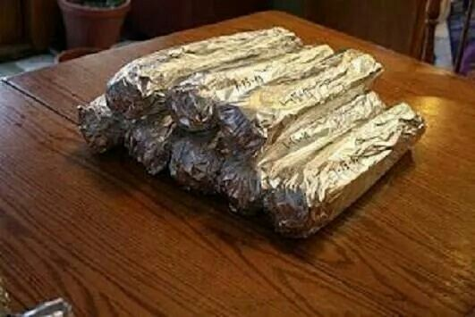 Wrapping celery in foil will keep it fresh and crisp in your frig for weeks. You can get 7 wks out of broccoli and 6 out of head lettuce doing this too. Good to know! (Now all you have to do is remember what it is because you know you'll never look. ;-)  )