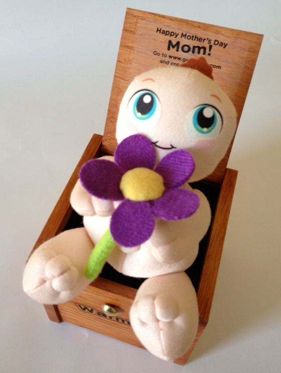 Flower-holding Mother's Day Warms
