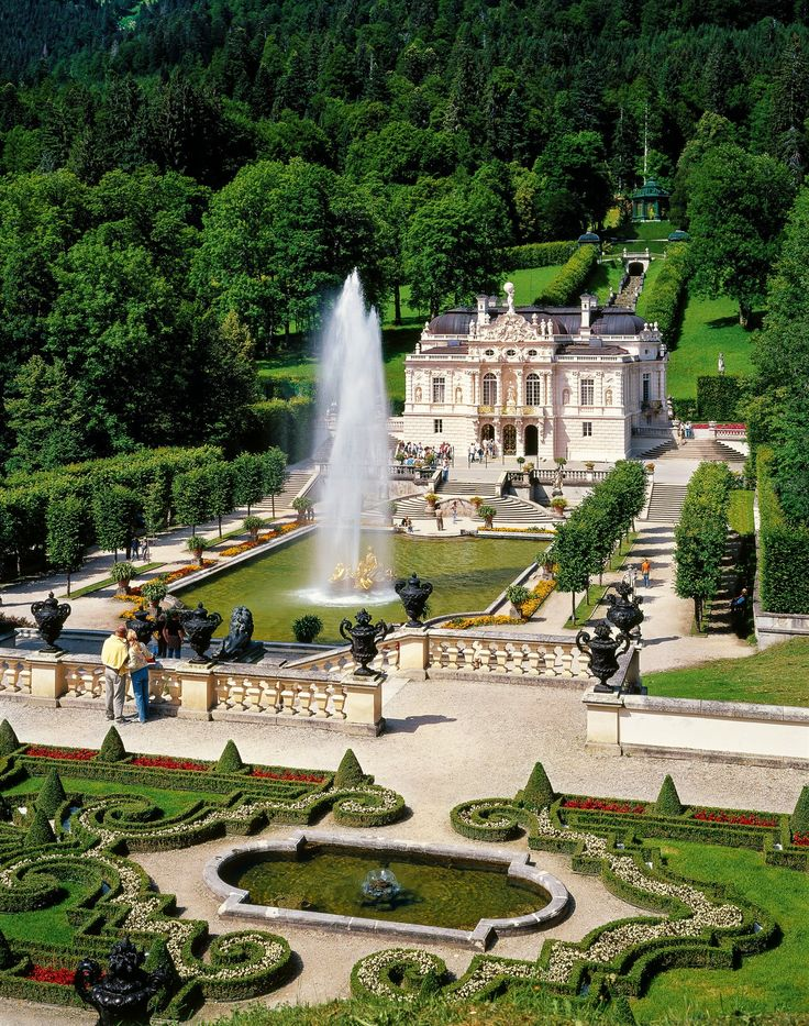 Schloss Linderhof, Bavaria, Germany. Ah, I was so in love with this estate!! <3 Summer 2010.