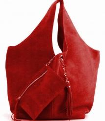 And 4, leren damestas met hengsels. De tas heeft een schakelketting met flos waaraan een etui bevestigd is. De tas heeft een ritssluiting die aan de buitenzijde van de tas niet zichtbaar is. Mogelijk in 30 verschillende kleuren leer.