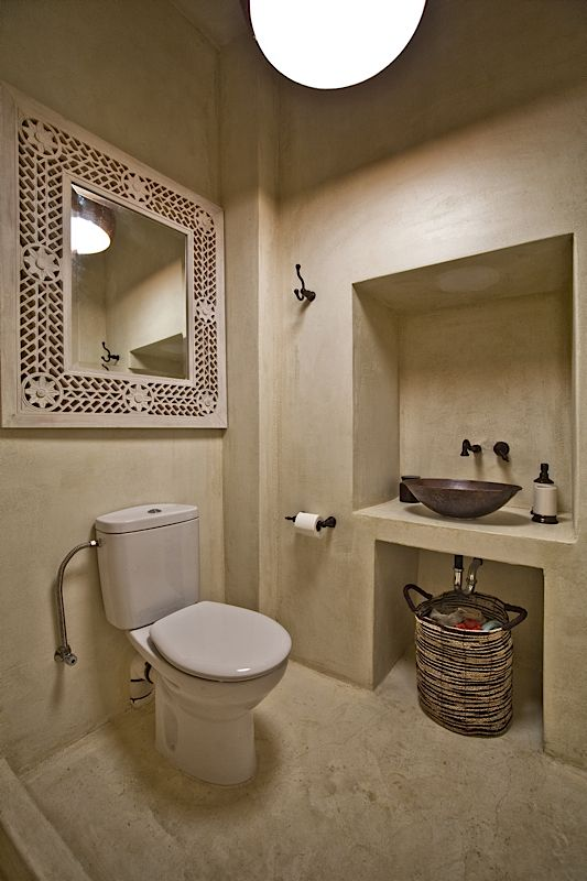 Architecture & Interior design by DESIGN LAB VI, traditional White House in Othos Karpathos, Greece. #designlabvi, #karpathos Bathroom, polish concrete bah www.designlabvi.com