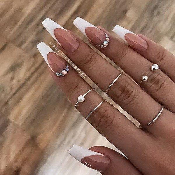 13 White Coffin Nail Designs Impressive White Coffin Nail Designs You Ll Flip For In 2020 French Tip Acrylic Nails French Tip Nail Designs White Tip Nails