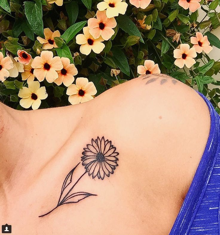 17 Tiny Collarbone Tattoos That You Will Want ASAP