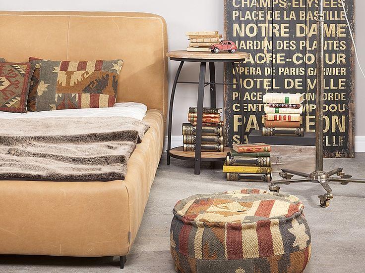 http://www.innemeble.pl/id,507/aranzacja,sypialnia-vintage,-dekoracje-industrialne