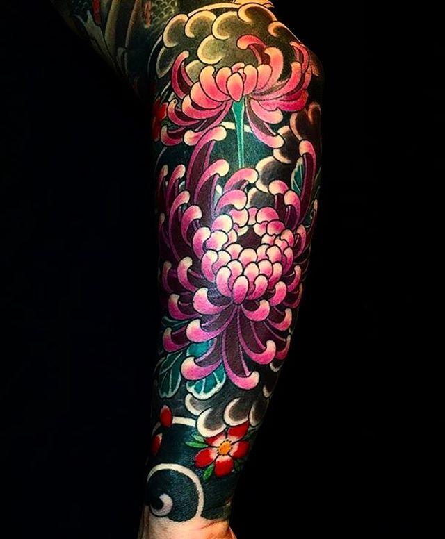Japanese tattoo sleeve by @easysacha_mtattooclub. #japaneseink #japanesetattoo #irezumi #tebori #colortattoo #colorfultattoo #cooltattoo #largetattoo #armtattoo #tattoosleeve #flowertattoo #chrysanthemumtattoo #cherryblossomtattoo #blackwork #blackink #blacktattoo #wavetattoo #naturetattoo