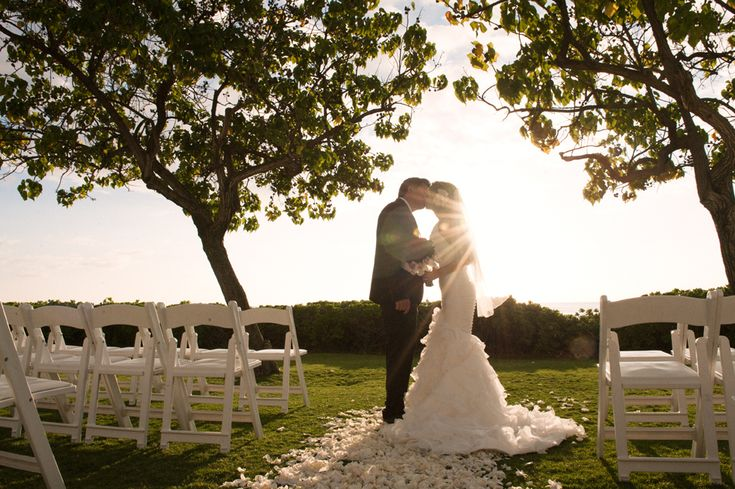 Lagoon Lawn wedding at JW Marriott Ihilani Resort & Spa. Credt: derek