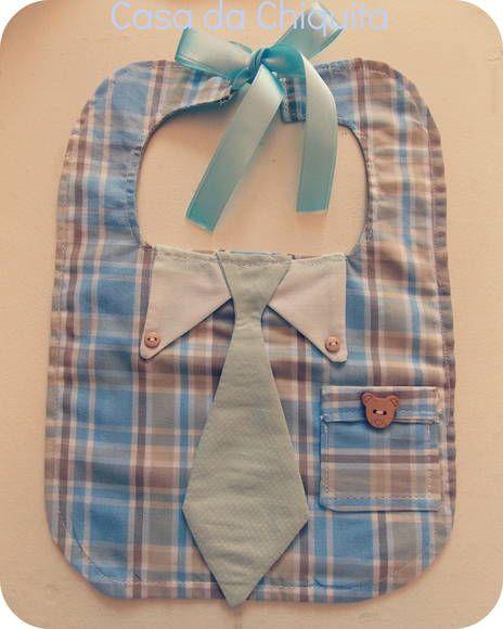 Kit mamãe e baby, super estiloso, neste kit contém um babador, uma toalhinha e uma eco bag para você ficar tranquila e levar o seu bebê para passear! FEITO SOB ENCOMENDA! Tecido 100% algodão. Altura: 28cm (MEDIDA DO BABADOR). largura; 20cm (MEDIDA DO BABADOR). R$ 44,90