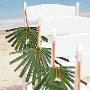 Des feuilles de palmier en guise de bouts de chaise