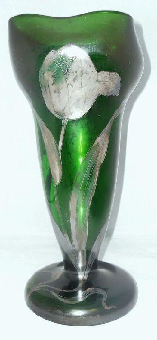 Smaragdově zelená se stříbrným Overlay Loetz Vase