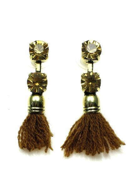 Bruine oorbellen met stras en kwastje #oorbellen www.deoorbel.nl