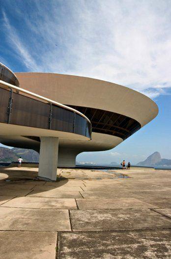 Oscar Niemeyer/Niteroi Contemporary Art Museum, Niterioi, Brazil