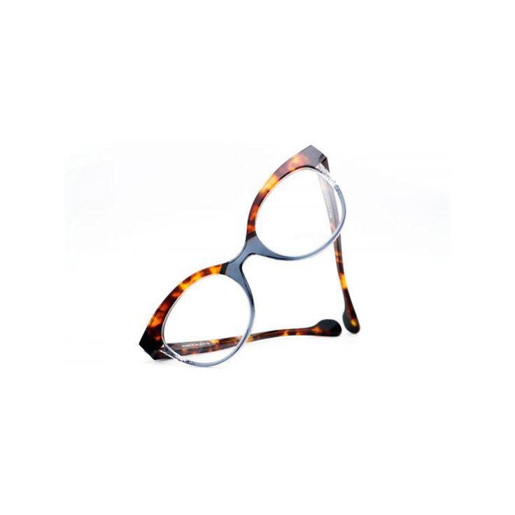 Damenbrillen, Herrenbrillen, Kinderbrillen von namhaften Designern, und dazu hochwertige Brillengläser in Ihrer Stärke - so fertigen wir Ihr Lieblingsmodell!