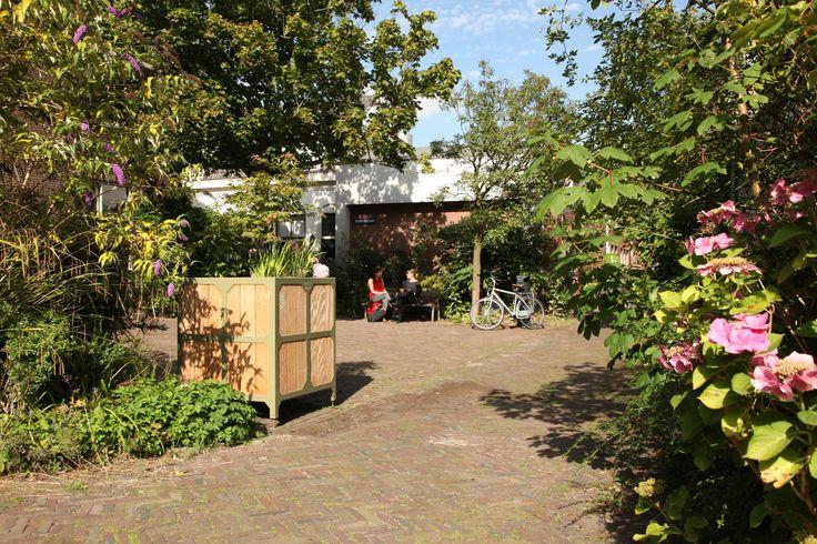 Bloembakken voor het Singelpark in Leiden