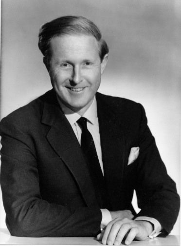 maurice wilkins The laboratory's second-in-command, maurice wilkins, was on vacation at the  time, and when he returned, their relationship was muddled he assumed she.