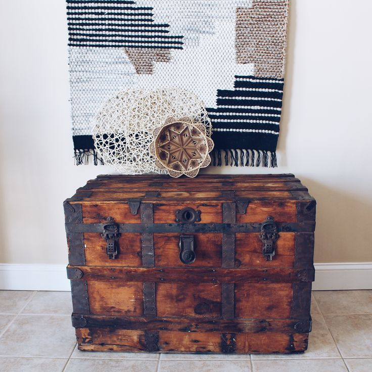 Hillside Coffee Table Trunk: 1000+ Ideas About Vintage Trunks On Pinterest
