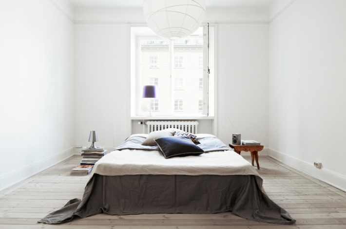 La Boheme: Sweden: Beds Rooms, Simple Bedrooms, Fantastic Frank, Interiors Design, White Rooms, Interiordesign, Minimalist Bedrooms, Fantasticfrank, Modern Bedrooms