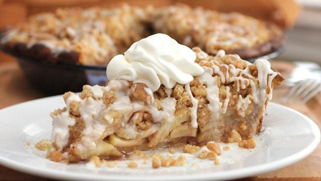 Cinnamon Roll Dutch Apple Pie - YUMMY!!!: Desserts, Dutch Apple Pies, Pies Crusts, Pies Recipes, Cinnamon Rolls, Food, Rolls Apple, Dutch Apples Pies, Rolls Dutch