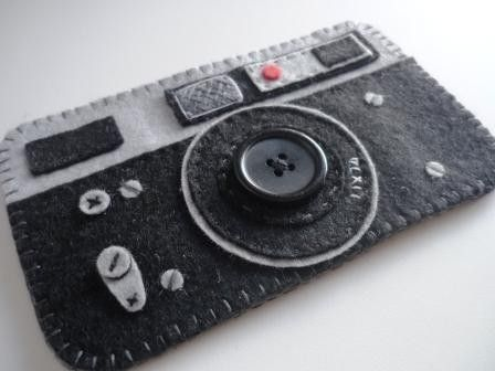 Love this! Could sew another piece of black felt to back to make pocket, or even make an id tag