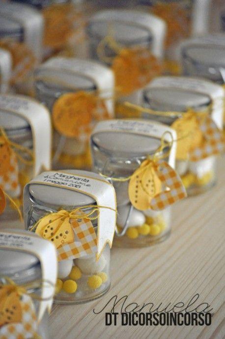 Pots pour communion: http://www.dicorsoincorso.it/2015/04/23/comunione-in-bianco-e-giallo/