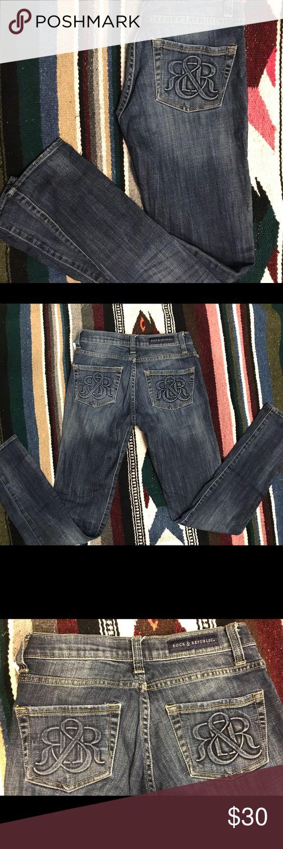 Rock & Republic Jeans dark straight skinny jeans Very cute straight leg skinny Rock and Republic Jeans dark wash almost brand new! Hardly worn! Rock & Republic Jeans Straight Leg