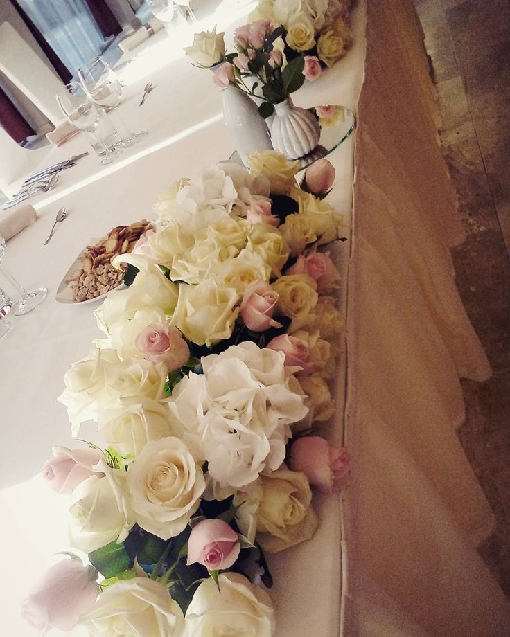 "54 aprecieri, 1 comentarii - Floraria Dorothy's (@florariadorothys) pe Instagram: ""Wedding details.. #white #pink #wedding #hotelramada #nunticluj #weddingcluj #cluj #clujnapoca…"""