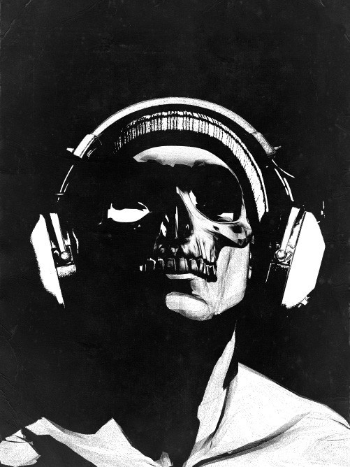 skull and headphones