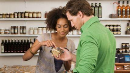 10 dicas para economizar dinheiro nas compras da dieta